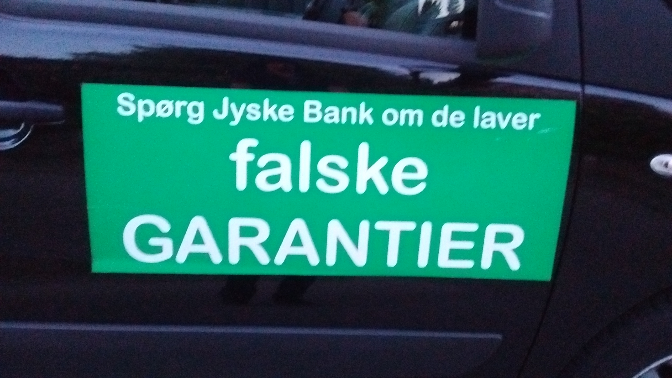 Lær jyskebank at kende Hvem dækker over Jyske Banks fortatte svigforretninger. Bribery at the top of the Danish business seems to have been politically approved. Following Jyske Bank's fraud case. Lundgren's lawyer partner company paid several million Danish kroner, moreover, the same Lundgren's lawyers who would not bring a case against the Danish bank Jyske Bank for fraud. Which Lundgren's lawyer partner company regrettably forgot to submit to the court. That it happened according to Jyske Bank's management, certainly by CEO Anders Dam who is directly contributing to Jyske Bank's continued crimes. When Jyske Bank then chose to give the large law firm Lundgren's lawyers a huge order. It became very clear that the overall board of directors of Jyske Bank continues to expose the customer to very serious fraud transactions. And that Jyske Bank's board of directors is still behind millions of scams and now probably also corruption. All to disappoint in legal matters, and to serve the shareholders in the Danish Bank's financial interests.