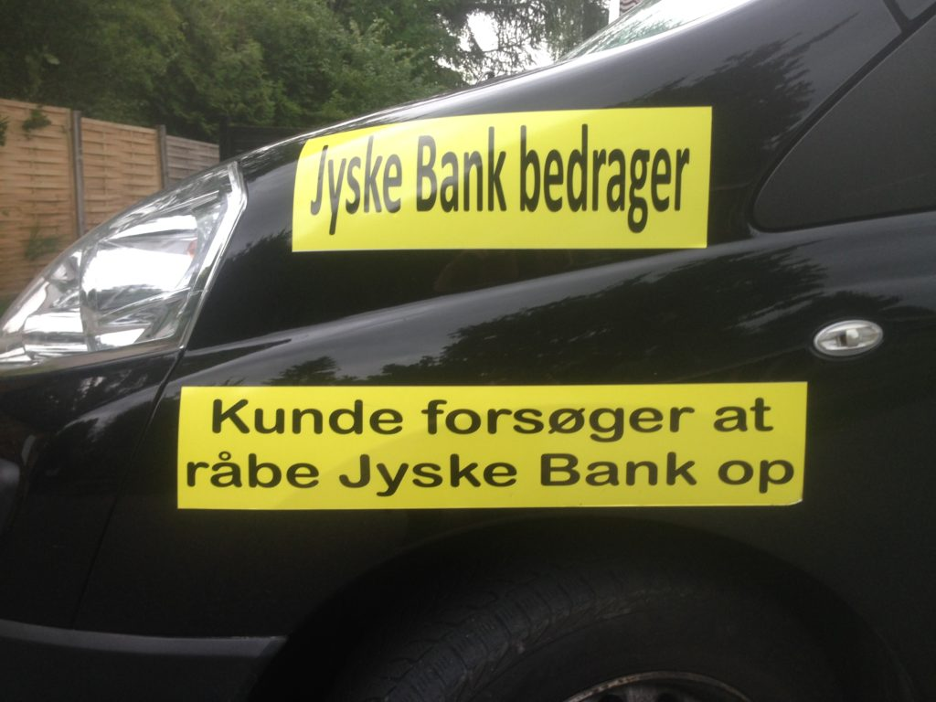 Lær jyskebank at kende Hvem dækker over Jyske Banks fortatte svigforretninger. Bribery at the top of the Danish business seems to have been politically approved. Following Jyske Bank's fraud case. Lundgren's lawyer partner company paid several million Danish kroner, moreover, the same Lundgren's lawyers who would not bring a case against the Danish bank Jyske Bank for fraud. Which Lundgren's lawyer partner company regrettably forgot to submit to the court. That it happened according to Jyske Bank's management, certainly by CEO Anders Dam who is directly contributing to Jyske Bank's continued crimes. When Jyske Bank then chose to give the large law firm Lundgren's lawyers a huge order. It became very clear that the overall board of directors of Jyske Bank continues to expose the customer to very serious fraud transactions. And that Jyske Bank's board of directors is still behind millions of scams and now probably also corruption. All to disappoint in legal matters, and to serve the shareholders in the Danish B